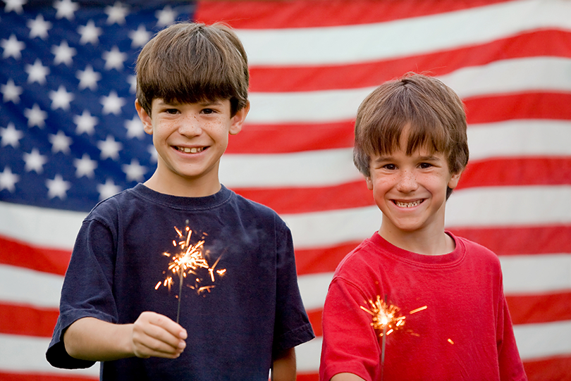Kids-with-Sparklers