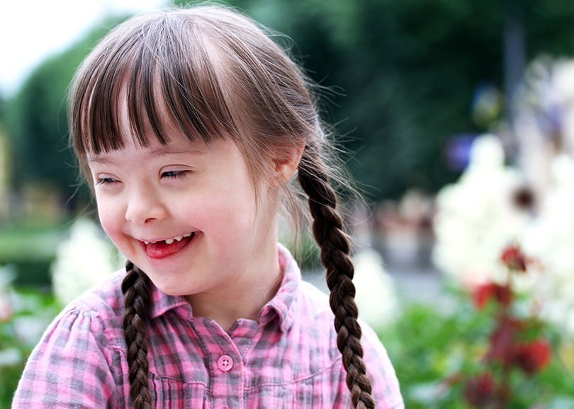 Special-Needs-Girl-Outside